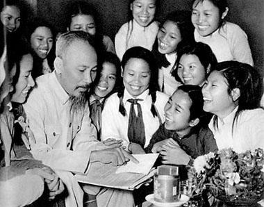 Chùm thơ nhân kỷ niệm 121 năm ngày sinh của Chủ tịch Hồ Chí Minh  - ảnh 1